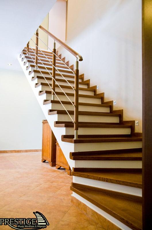ahşap merdiven beton