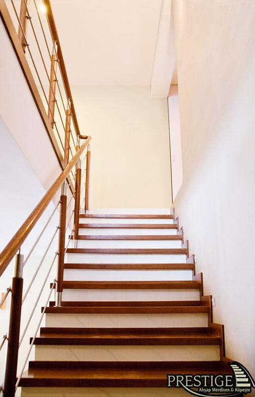 merdiven ahşap beton