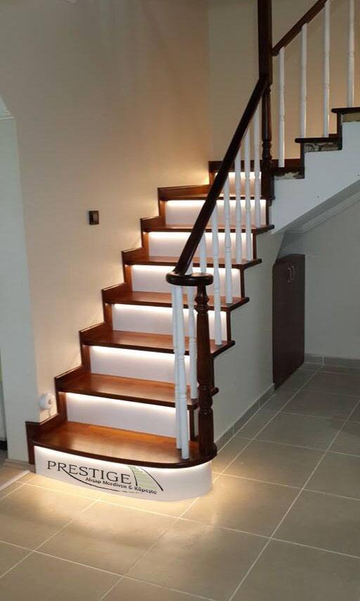 ledli ahşap merdiven